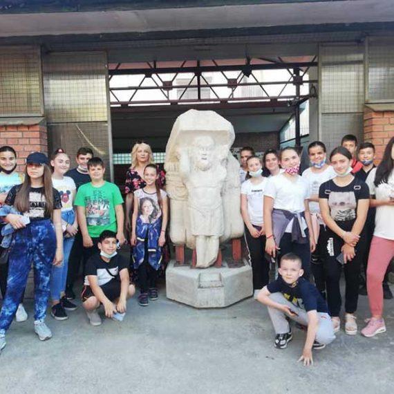 Посета изложби и Лапидаријуму